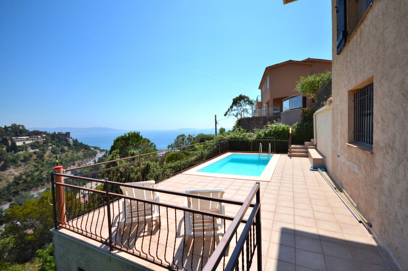 French property for sale in Théoule-sur-Mer, Alpes Maritimes - €695,000 - photo 4
