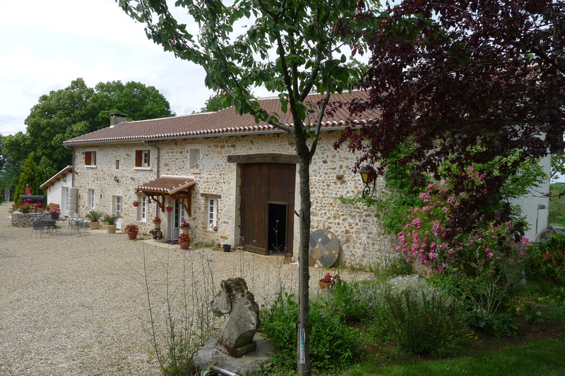 French property for sale in Saint-Sornin, Charente - €315,650 - photo 5