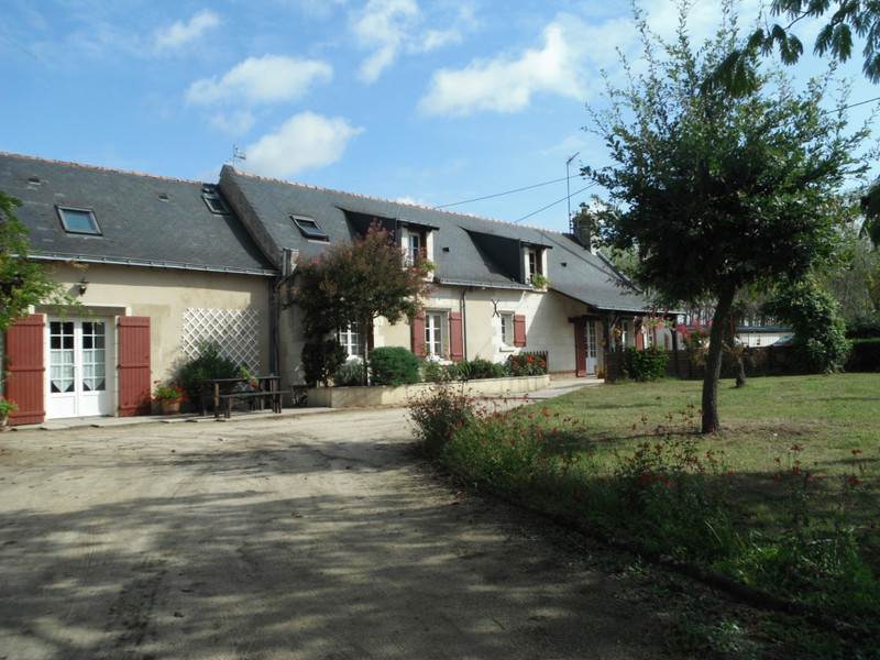 French property for sale in Allonnes, Maine et Loire - €487,600 - photo 2
