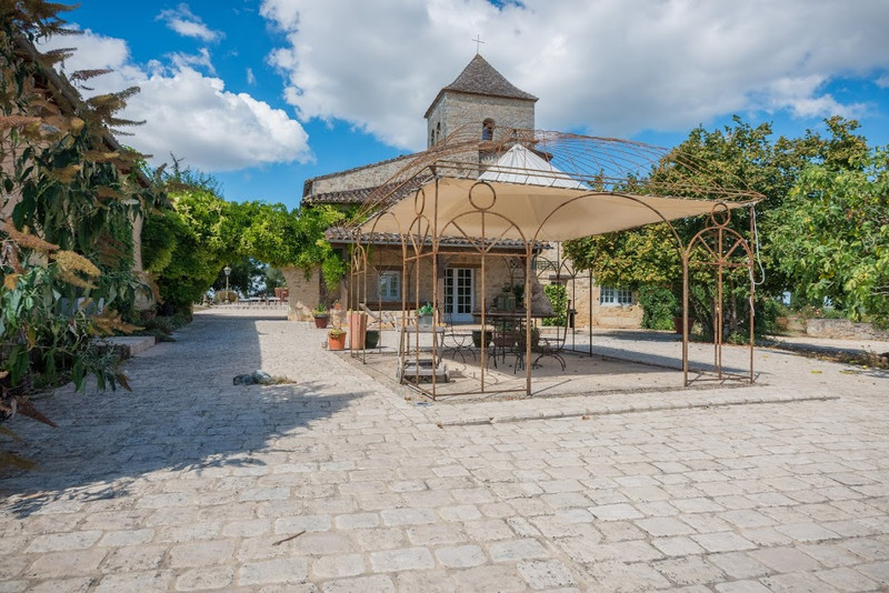 French property for sale in Monsac, Dordogne - €1,470,000 - photo 9