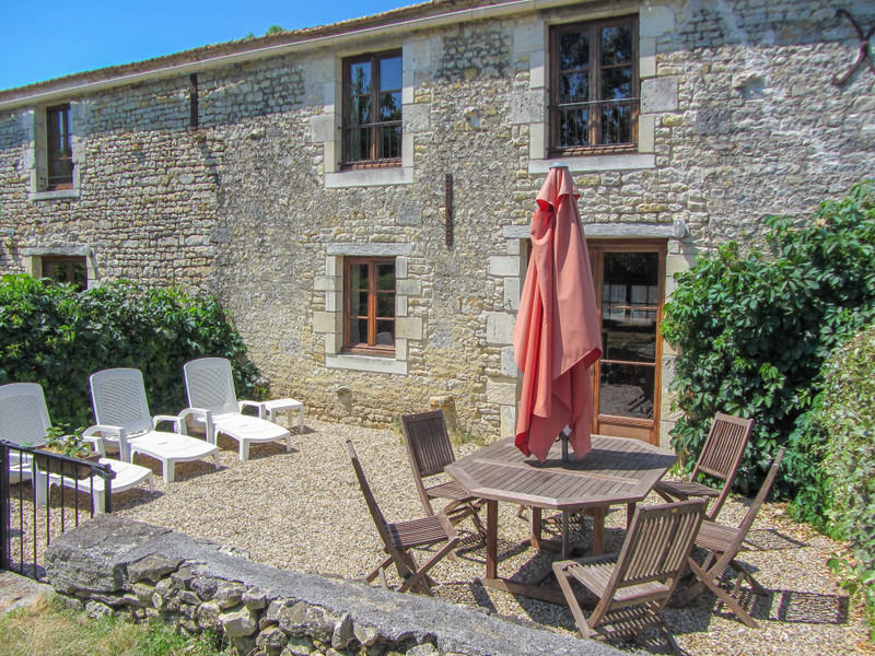 French property for sale in Saint-Crépin, Charente-Maritime - €444,999 - photo 5