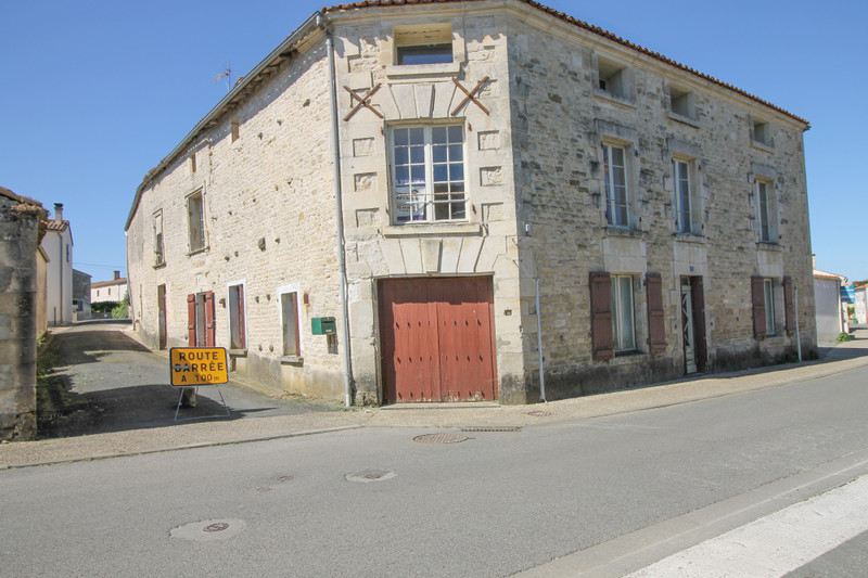 French property for sale in Saint-Pompain, Deux Sevres - €109,000 - photo 10