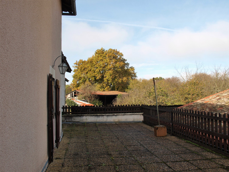 French property for sale in Saint-Romain, Vienne - €99,000 - photo 4