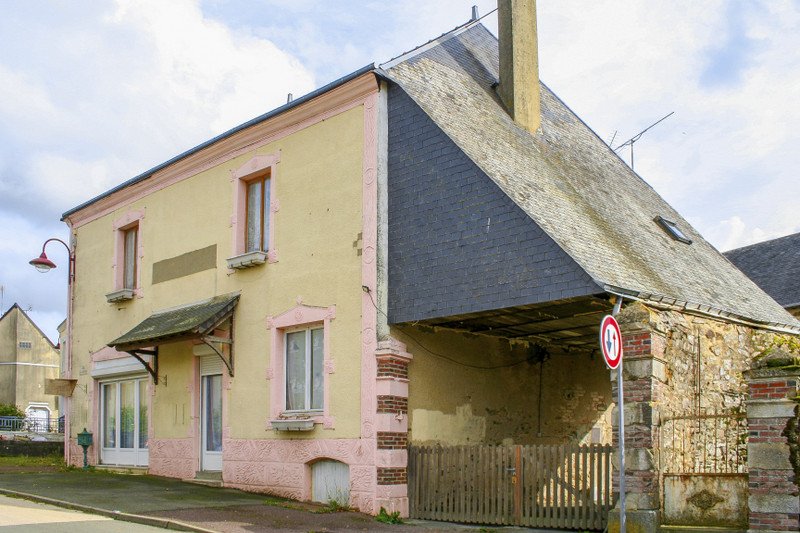 French property for sale in Saint-Germain-de-Coulamer, Mayenne - €102,180 - photo 10