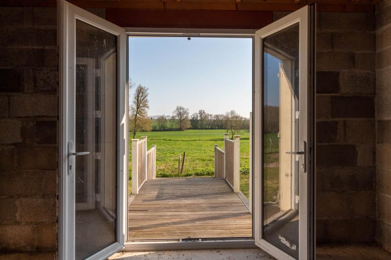 Maison à vendre à Fontaine-Chalendray, Charente-Maritime - 68 000 € - photo 3