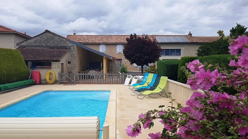 French property for sale in Aubigné, Deux-Sèvres - €183,600 - photo 9
