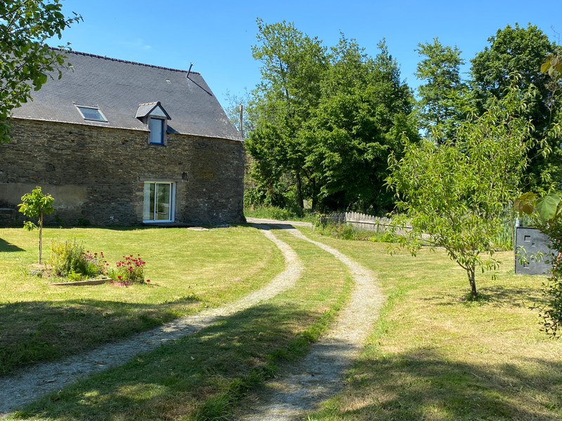 French property for sale in Val d'Oust, Morbihan - €300,000 - photo 2