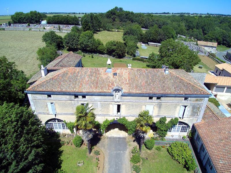 French property for sale in Saint-Romans-lès-Melle, Deux Sevres - €267,500 - photo 2