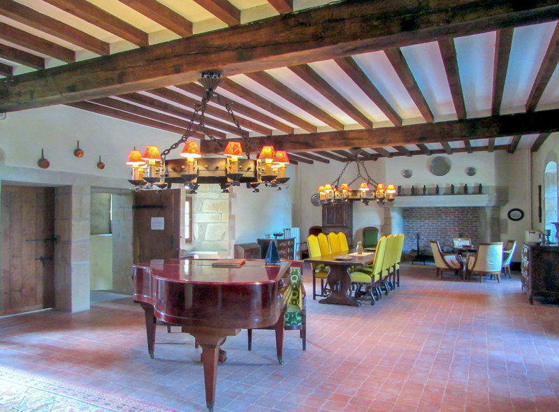 French property for sale in Saint-Maurice-la-Souterraine, Creuse - €699,000 - photo 4