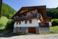 French ski chalets, properties in La Baume, Abondance, Portes du Soleil