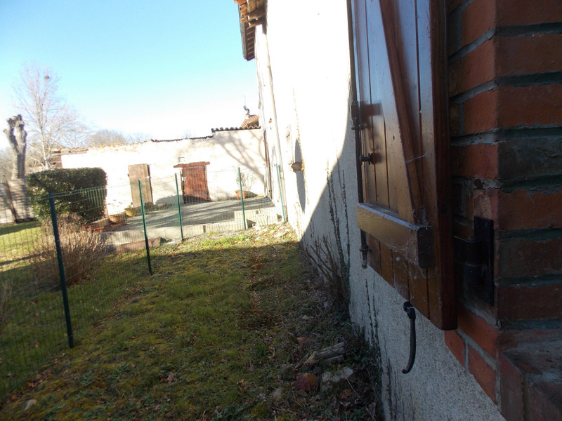 French property for sale in Bussière-Poitevine, Haute-Vienne - €27,000 - photo 2