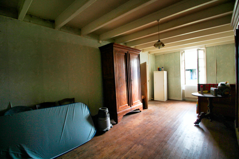 French property for sale in Rouillac, Charente - €45,000 - photo 6