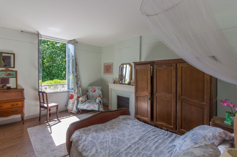 French property for sale in Taillebourg, Charente-Maritime - €180,000 - photo 6