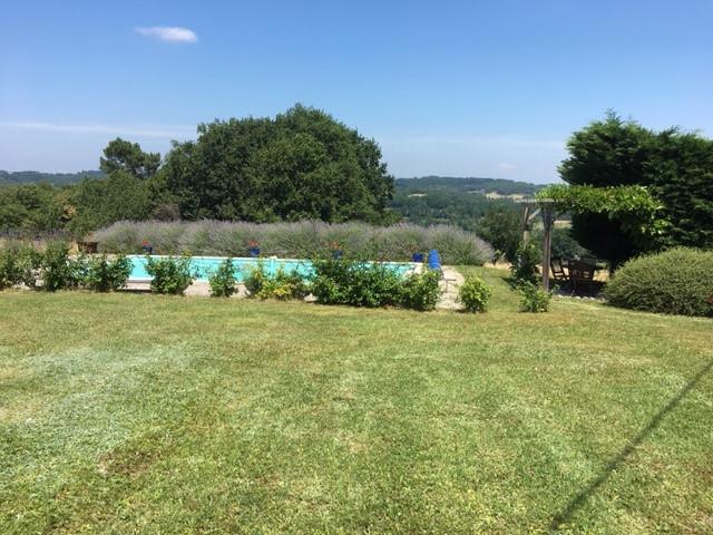 French property for sale in Montignac, Dordogne - €367,500 - photo 2