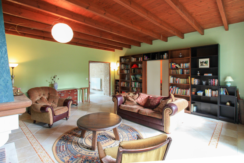 French property for sale in Lozay, Charente-Maritime - €214,000 - photo 5