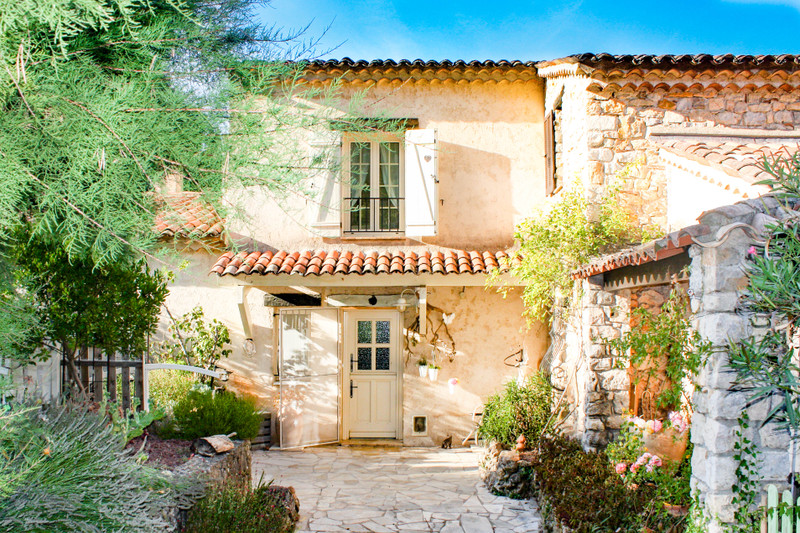 French property for sale in Callian, Var - €630,000 - photo 2