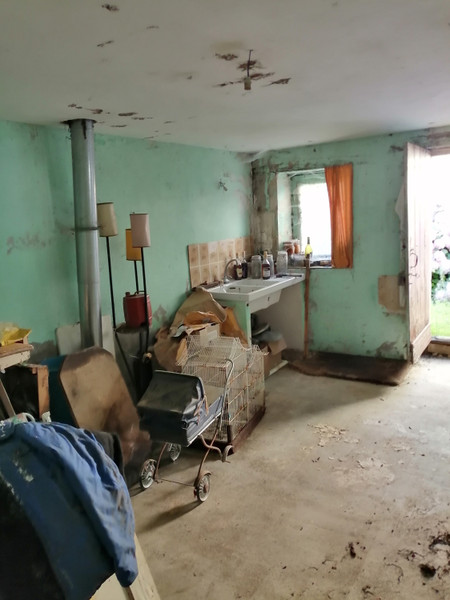 French property for sale in Payroux, Vienne - €19,000 - photo 6