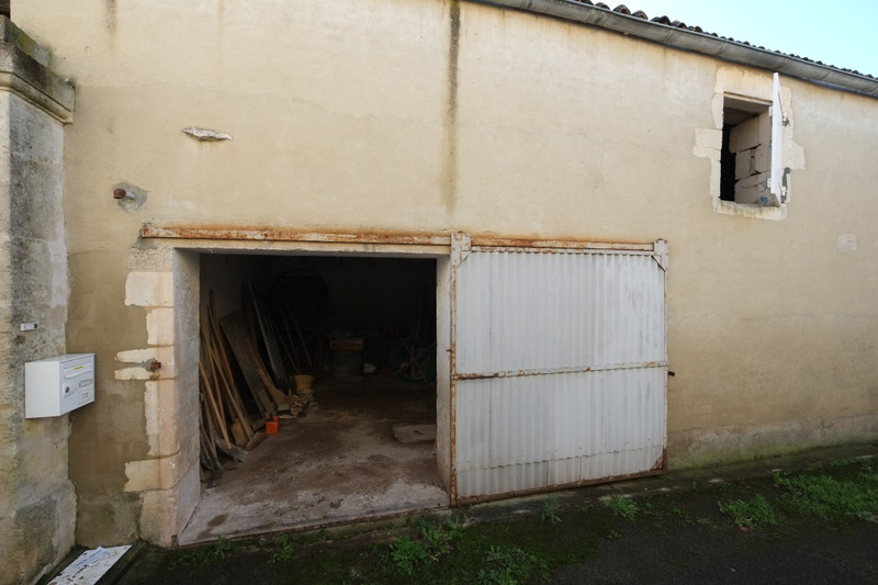 French property for sale in Voissay, Charente Maritime - €26,000 - photo 3