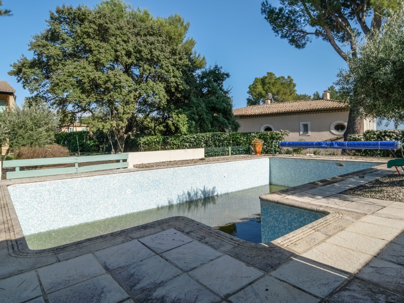 French property for sale in Villeneuve-lès-Avignon, Gard - €595,000 - photo 4