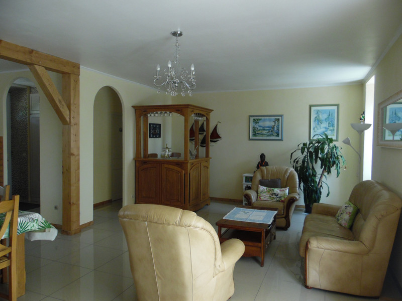 French property for sale in Bourg, Gironde - €324,360 - photo 6