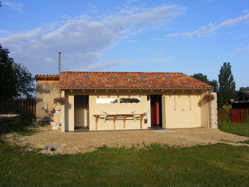 French property for sale in Saint-Séverin, Charente - €285,000 - photo 5