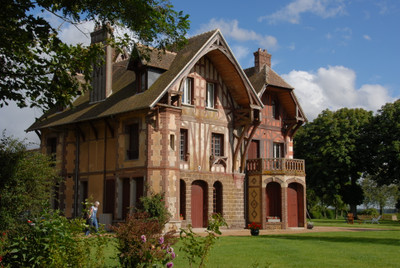 100km Paris . Verneuil sur Avre. Normandy. Luxurious manor house over three floors, set in 3H7.. ...