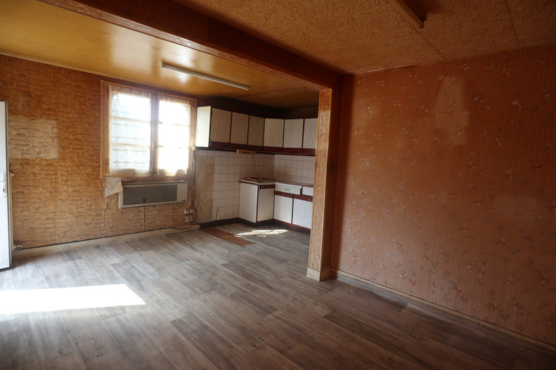 French property for sale in Saint-Cyr-du-Bailleul, Manche - €23,600 - photo 4