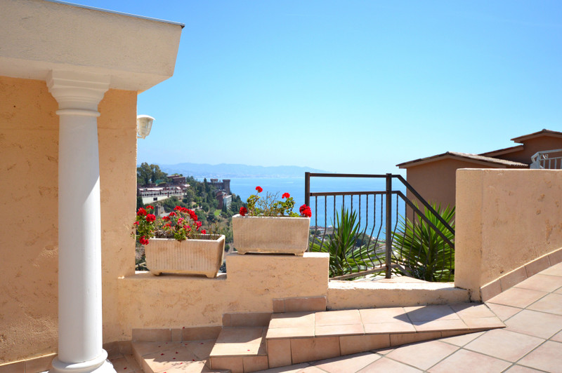 French property for sale in Théoule-sur-Mer, Alpes Maritimes - €695,000 - photo 9