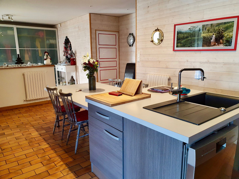 French property for sale in Allaire, Morbihan - €384,780 - photo 9