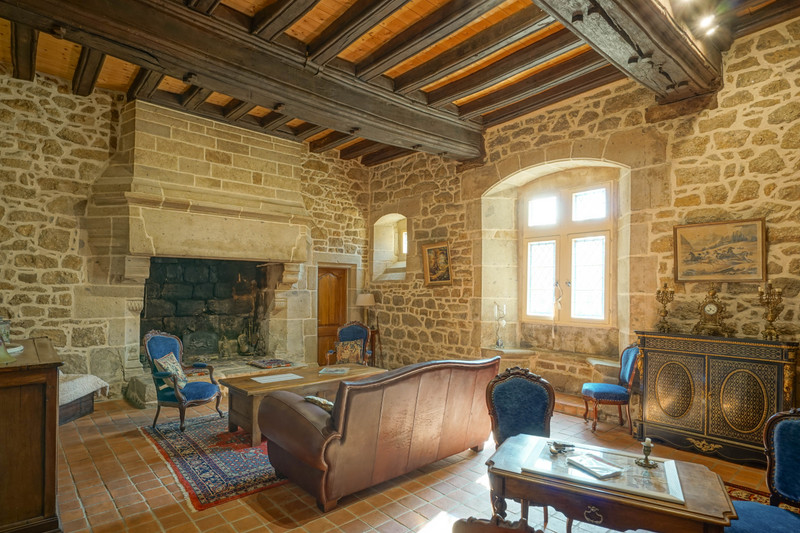 French property for sale in Binic, Cotes d Armor - €1,260,000 - photo 2