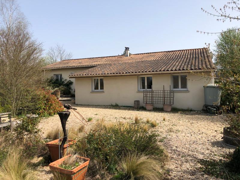 Maison à vendre à Saint-Pierre-du-Palais, Charente-Maritime - 224 700 € - photo 2