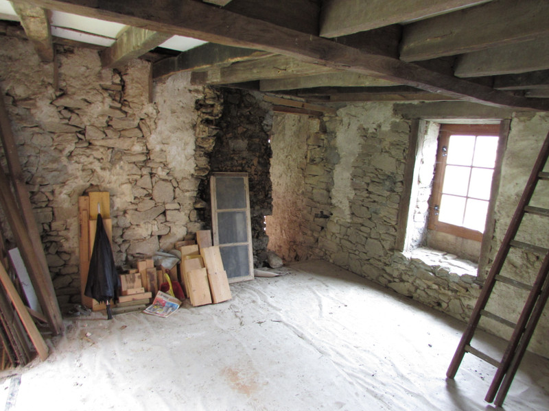 French property for sale in Saint-Léger-Bridereix, Creuse - €25,000 - photo 4