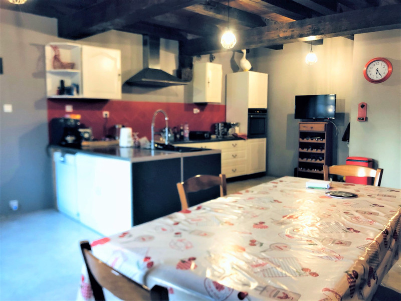 French property for sale in Alloinay, Deux Sevres - €214,000 - photo 2