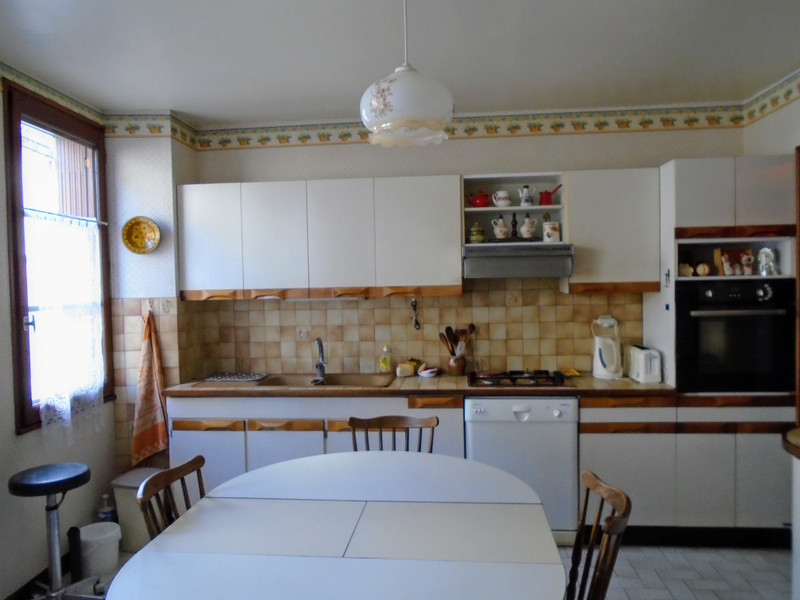 French property for sale in Availles-Limouzine, Vienne - €110,000 - photo 4
