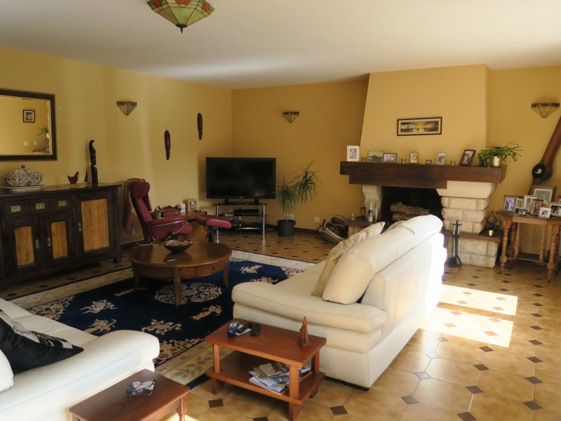 French property for sale in Paizay-le-Tort, Deux Sevres - €369,995 - photo 7
