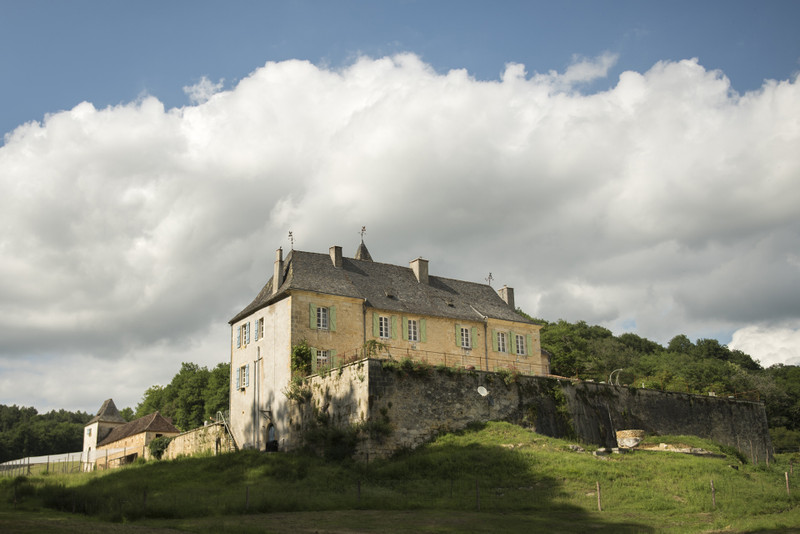 French property for sale in La Bachellerie, Dordogne - €2,782,500 - photo 2
