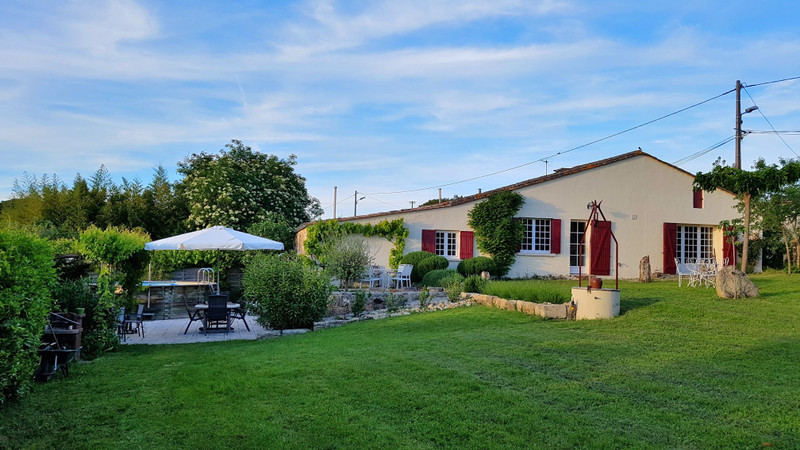 French property for sale in Saint-Émilion, Gironde - €389,000 - photo 1
