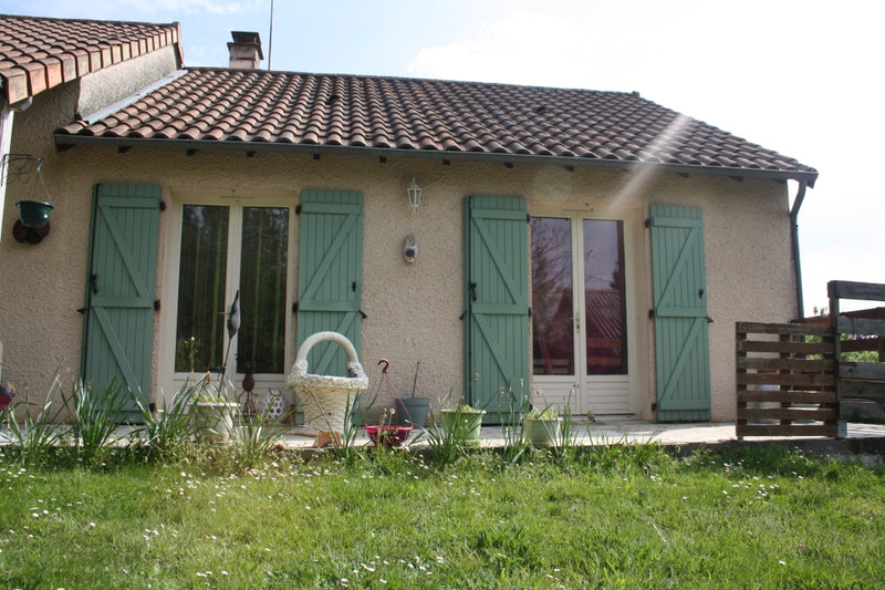 French property for sale in Adriers, Vienne - €149,330 - photo 2