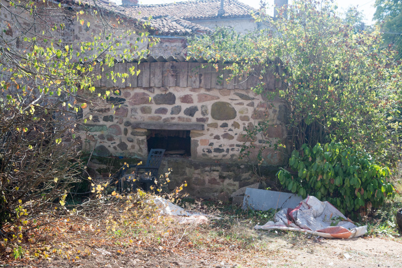 French property for sale in Luchapt, Vienne - €167,400 - photo 9