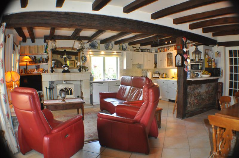 French property for sale in Parçay-les-Pins, Maine-et-Loire - €283,550 - photo 4
