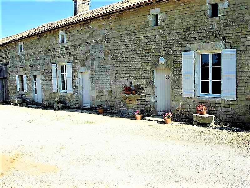French property for sale in Valdelaume, Deux Sevres - €267,500 - photo 3
