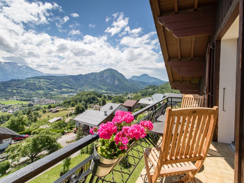 French property for sale in Taninges, Haute-Savoie - €597,000 - photo 2
