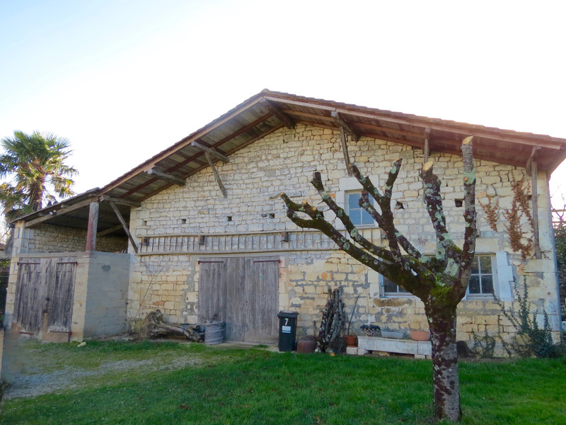 French property for sale in Crazannes, Charente-Maritime - €299,600 - photo 10