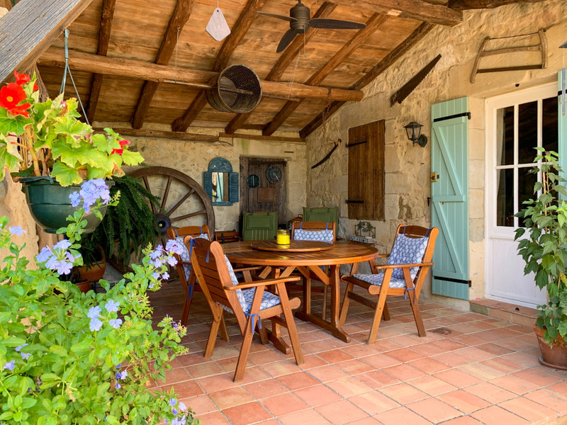 French property for sale in Monbahus, Lot et Garonne - €395,000 - photo 2