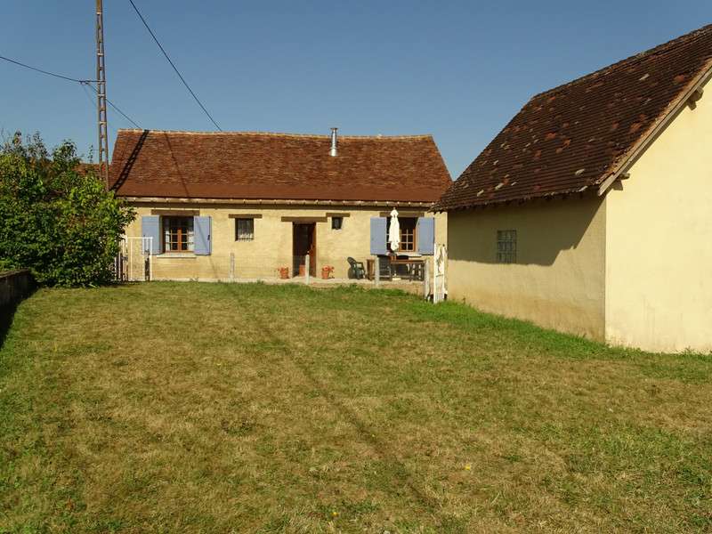 French property for sale in Génis, Dordogne - €135,000 - photo 2