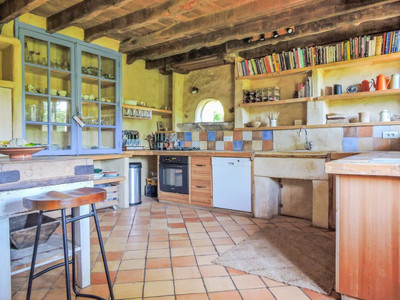 Stunning traditional  3bed/3bath farmhouse near the riverbanks  - extension and pool permit in place