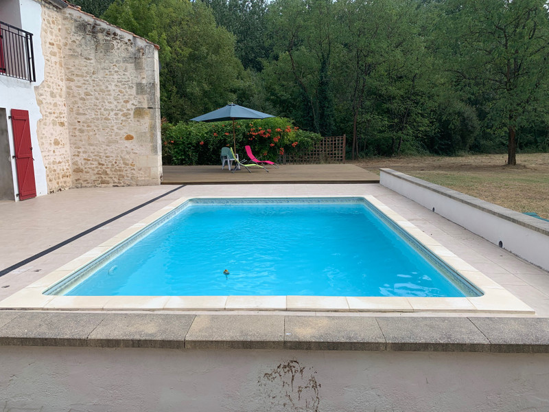 French property for sale in Chalais, Charente - €315,650 - photo 3