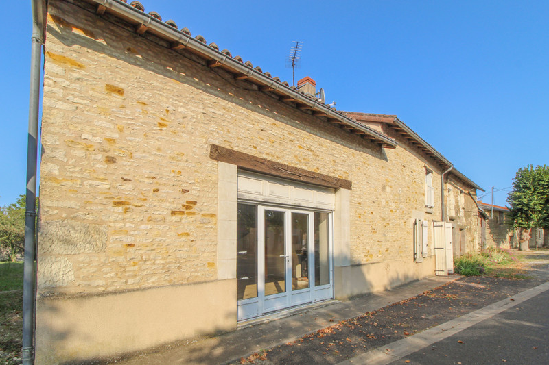 French property for sale in Angliers, Vienne - €77,000 - photo 2