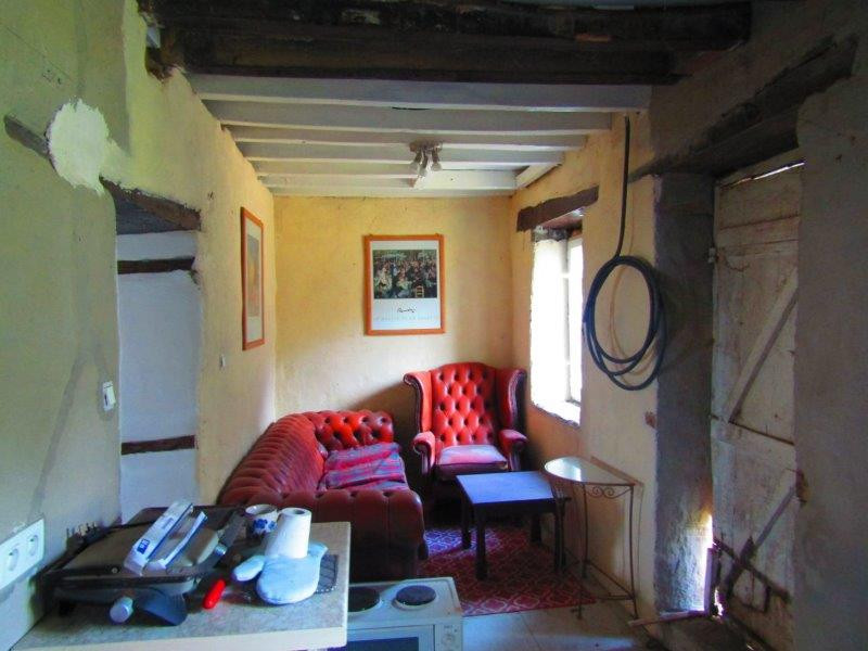 French property for sale in Javron-les-Chapelles, Mayenne - €25,600 - photo 3