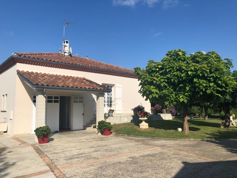 French property for sale in Agen, Lot-et-Garonne - €475,000 - photo 4